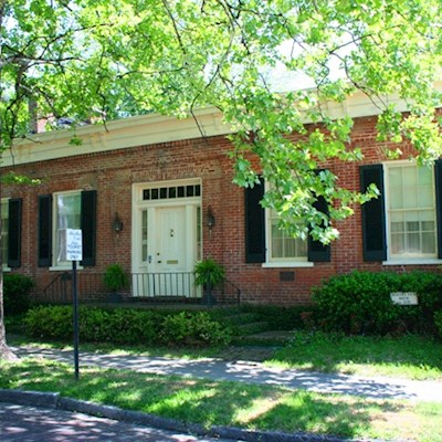 Front entrance of historic site Martha Vick House in Vicksburg, MS