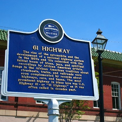 Historical highway marker on Mississippi Blues Trail in Vicksburg, MI